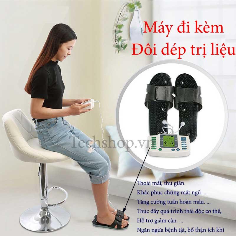 Máy có thêm đôi dép hỗ trợ massage bàn chân